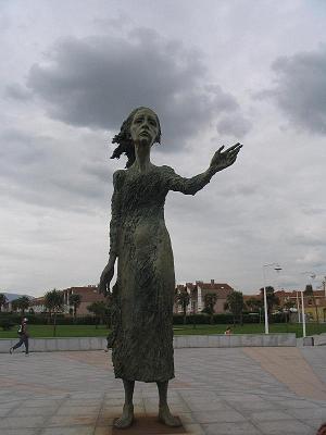 La madre de los inmigrantes - Gijon